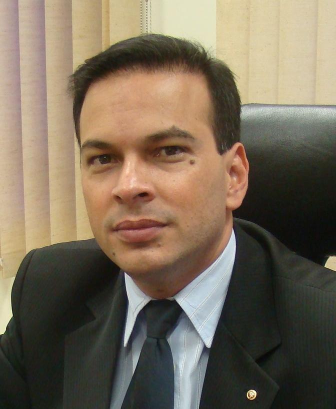 Paulo Douglas - MPT
