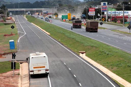 Paraná com mais pistas duplas