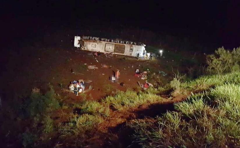 acidente-onibus-no-parana-da-expresso-maringa-com-sete-mortos