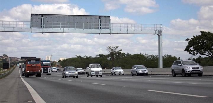 Faixa adicional da Ayrton Senna vai desafogar trecho do acesso ao Aeroporto de Guarulhos