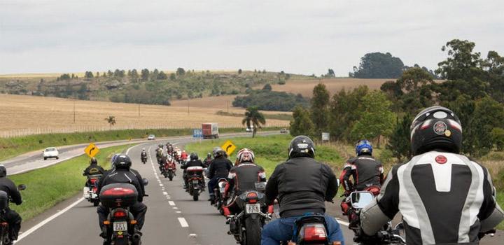 Frente parlamentar vai defender projetos para reduzir acidentes com motos