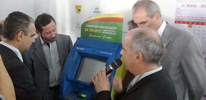 Máquina de venda de passagens começa a operar em rodoviária gaúcha