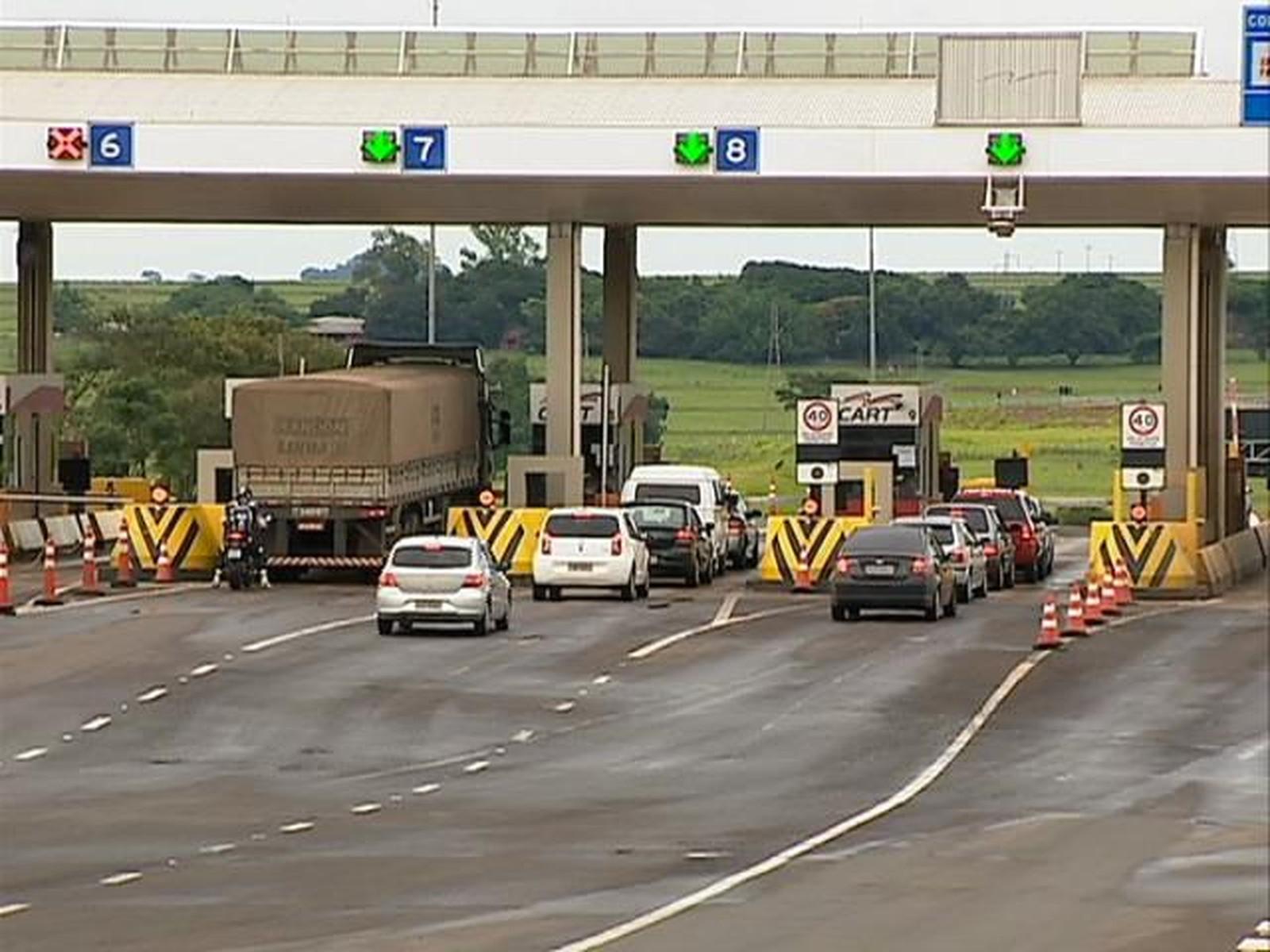 Resultado de imagem para Campanha da ARTESP alerta para riscos do uso do celular ao volante e outras atitudes imprudentes no trânsito