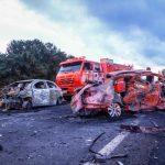 Casal e duas crianças morrem em acidente na BR-386