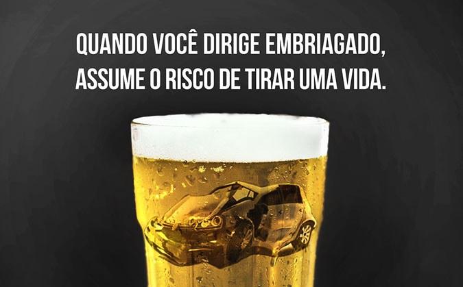 FIQUE VIVO! Neste carnaval, se for dirigir, não faça uso de bebida alcoólica. Respeite as leis, os outros e a si mesmo. Foto: Divulgação