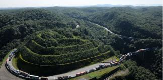 MANUTENÇÃO: Trecho de Serra da Via Anchieta (SP-150) passará por manutenção preventiva a partir desta terça-feira (4), com bloqueios alternados, entre a pista Norte e Sul, até 5 de julho. Motoristas devem redobrar a atenção no local. Foto: Divulgação