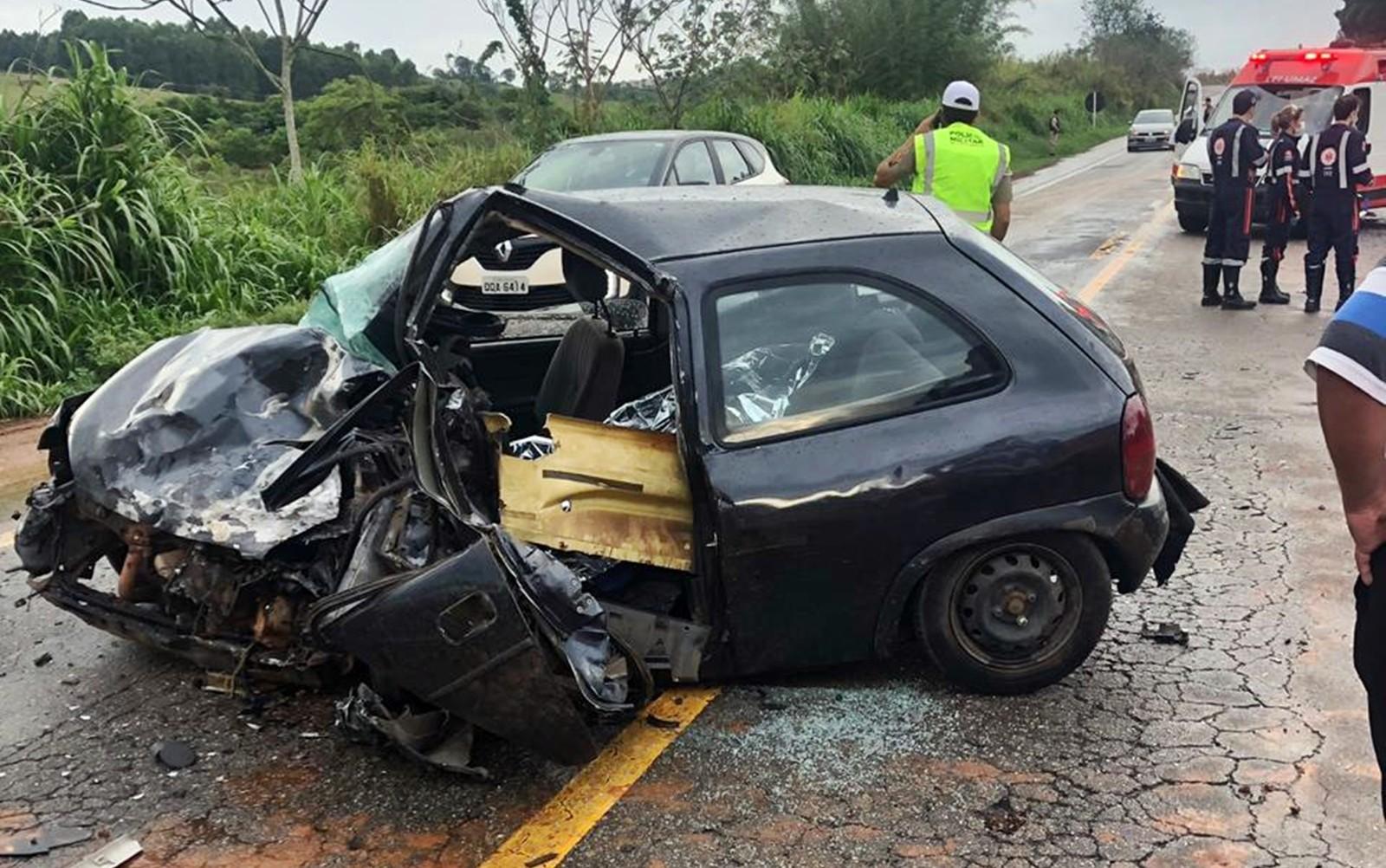 Colisão frontal mata um e fere cinco, entre Alfenas e Areado (MG) - Estradas