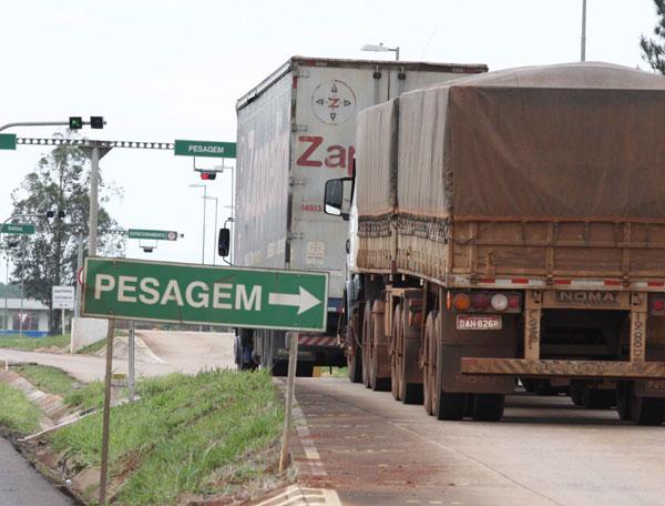 Estradas | Pesagem de caminhões será suspensa nas rodovias federais